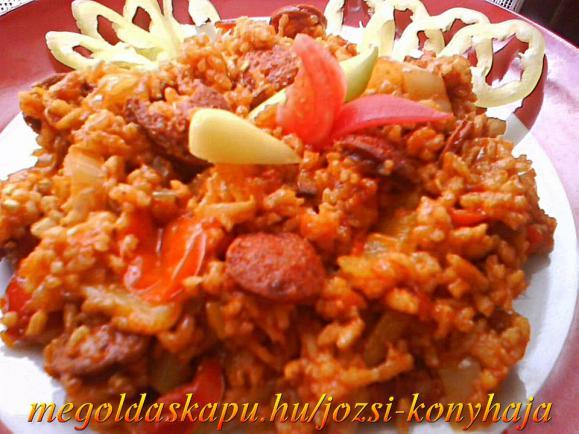 Kolbászos,rizses lecsó
