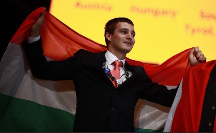 Magyar a világ legjobb bútorasztalosa - László Attila