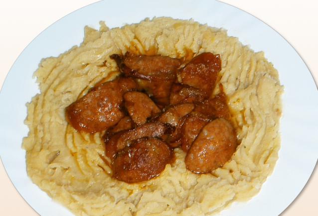 A receptről általában Mikor ezt az ételt készíted, nem érdemes közben más munkába fogni, mert a főzés ideje alatt folyamatosan van teendő !