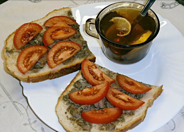 Kacsamájas zsíros kenyér